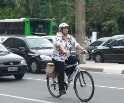 Ciclista na Av. Paulista. Foto: Mathias