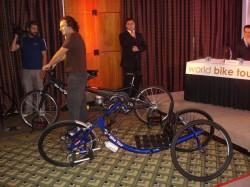 Bicicleta adaptada e tandem que serão utilizadas no evento Bike Tour 2010.
