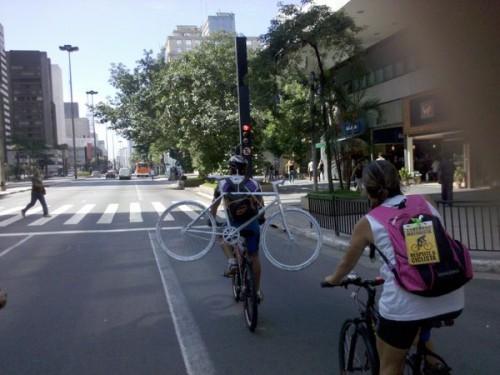 Carregando a Ghost Bike
