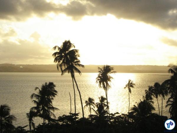 Pôr do Sol sobre a Lagoa Mundaú, visto da estrada de terra que liga Fernão Velho a Bebedouro. Foto: Willian Cruz