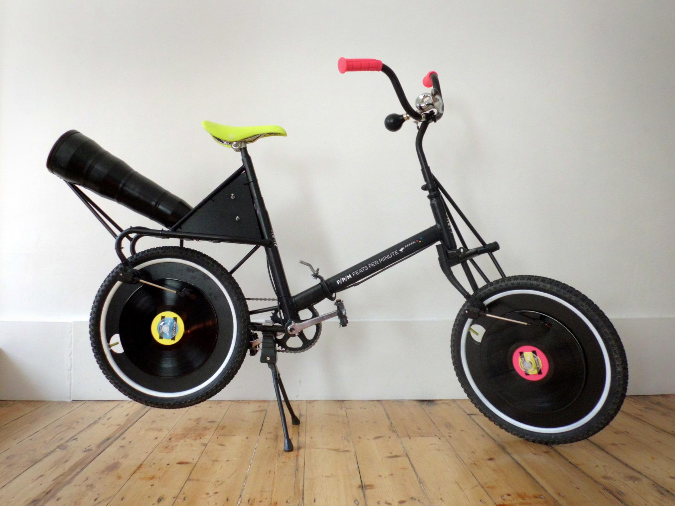 Feats Per Minute, a bicicleta vitrola. Foto: Divulgacao