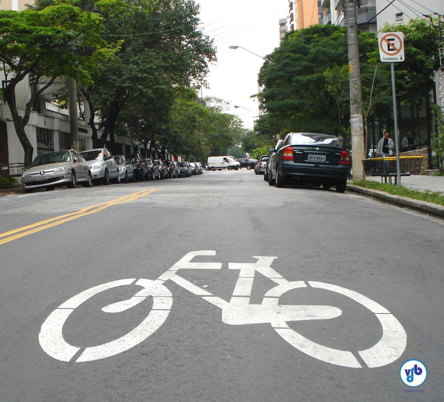 Oficializando o compartilhamento das vias. Foto: Vá de Bike