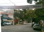 Faixa na R. Inhambu, no bairro de Moema, em São Paulo. Foto: Sergio Leis, via Facebook