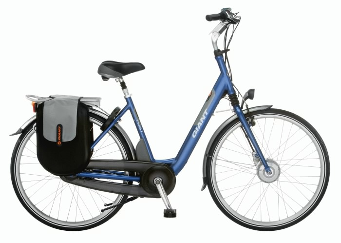 Em uma bicicleta de pedalada assistida, o motor só funciona quando o usuário pedala, reduzindo bastante o esforço necessário para movê-la. Foto: Divulgação