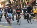 Fernando Haddad pedalou durante a campanha, em 2012, em encontro com a Ciclocidade. Na ocasião, assinou carta de compromisso com uma cidade mais ciclável. Foto: Jeanne Gibson/Divulgação