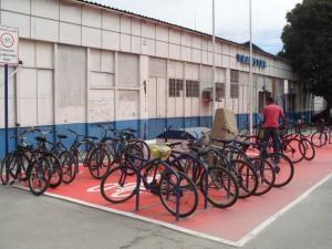 Atual estacionamento de bicicletas das barcas de Niterói (RJ). Foto: Glauston Pinheiro