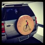 Divulgando o respeito ao ciclista. Arte e foto: Marina Chevrand