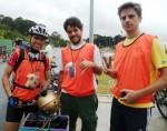Bike Anjos na Rota Márcia Prado, em 2011. Da esquerda para a direita: Willian Cruz, JP Amaral e Tiago Barufi. Foto: Aline Cavalcante