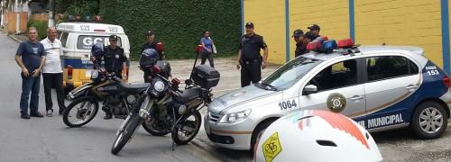 Segundo um dos ciclistas, GCM prenderia quem fizesse barulho em frente à casa do prefeito. Foto: Rodrigo Martins