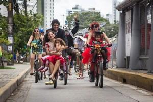 Casamento pelas ruas de Recife. Foto: Rafa Mattos
