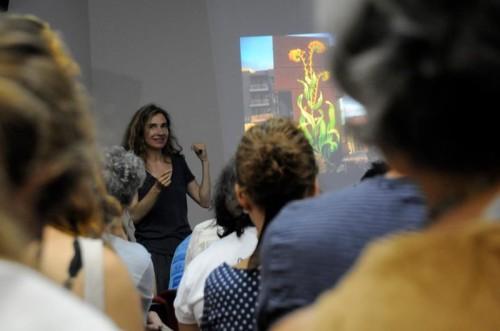 Mona Caron mostrou como a arte e a bicicleta podem ser o ponto de partida de uma transformação cultural. Foto: Divulgação
