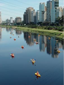 Caiaques no Rio Pinheiros. Foto: Arquivo Eduardo Srur