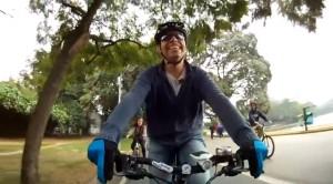 O editor do Vá de Bike é um dos entrevistados. Imagem: Renata Falzoni/Caloi/Reprodução
