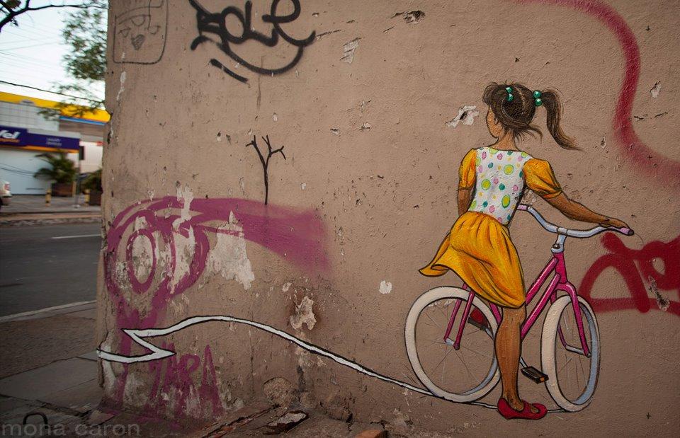 Mural pintado pela artista Mona Caron em Porto Alegre. Foto: Arquivo Pessoal
