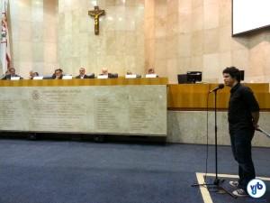 Gabriel di Pierro, da Ciclocidade, questionou as prioridades da cidade em relação aos ciclistas. Foto: Willian Cruz