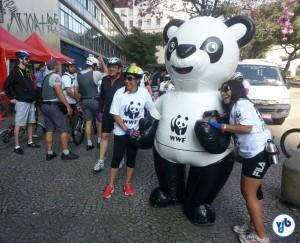 Tava concorrido pra tirar uma foto com o mascote do WWF-Brasil! Foto: Willian Cruz