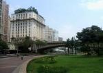 Ed. Matarazzo, sede da Prefeitura de São Paulo, visto do Vale do Anhangabaú. Foto: Dornicke [GFDL CC-BY-SA-3.0-2.5-2.0-1.0]