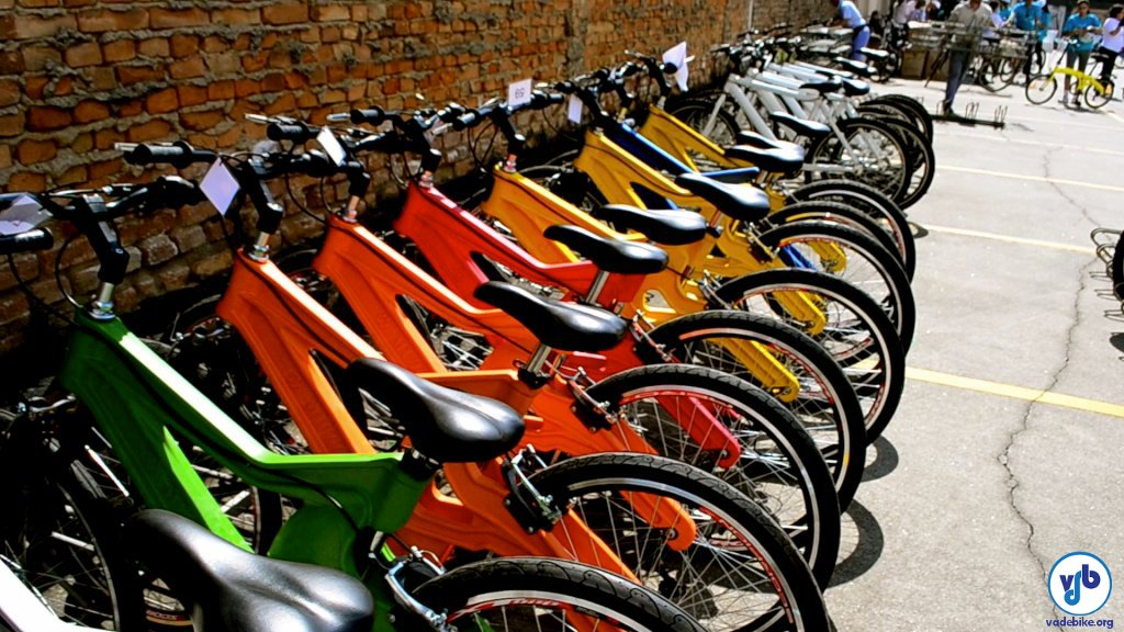 Bicicletas foram emprestadas a quem não estivesse com uma. Foto: Rachel Schein/VdB