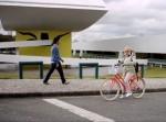 Cidades humanas são aquelas em que idosos e crianças podem pedalar sem serem ameaçados. Ainda chegaremos lá. Imagem: Reprodução