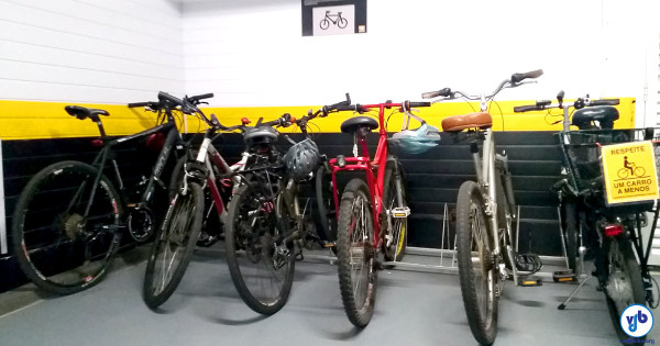 Bicicletário em condomínio comercial de São Paulo: agradando visitantes e funcionários ao mesmo tempo em que cumpre a Lei. Foto: Willian Cruz