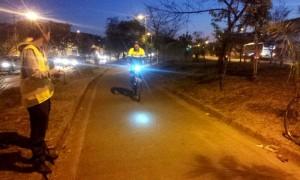 A contagem começou cedo, mas já havia ciclistas passando pelo local. Foto: Carlos Henrique Lopes