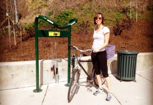 Uma estação pública de reparo de bicicletas na cidade de Asheville, na Carolina do Norte (EUA). Foto: Asheville on Bikes/Divulgação