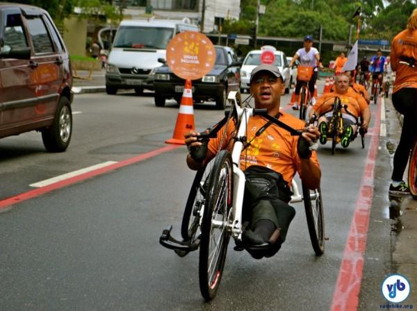 Bicicleta Inclusiva levou pessoas com e sem deficiência para pedalarem juntas na Av. Paulista. Foto:RachelSchein