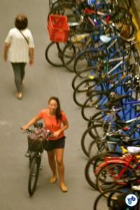 Muitas, mas muitas bicicletas. Foto: Rachel Schein
