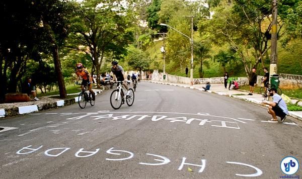 Linha de chegada da primeira edição do Campeonato de Subida, realizado em 2013. Foto: Rachel Schein