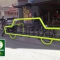 Com formato de carro, paraciclo da Zona Verde tem capacidade para receber oito bicicletas simultaneamente. Foto/Divulgação