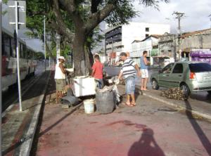 Ciclovia impossível de ser utilizada em Fortaleza. Foto: Ciclovida/Divulgação