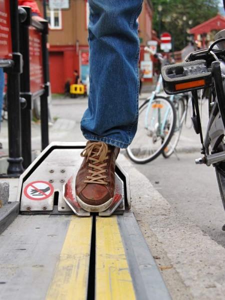 Elevador para ciclista percorre 1,5 m por segundo e não requer habilidades especiais para ser utilizado. Foto: Divulgação