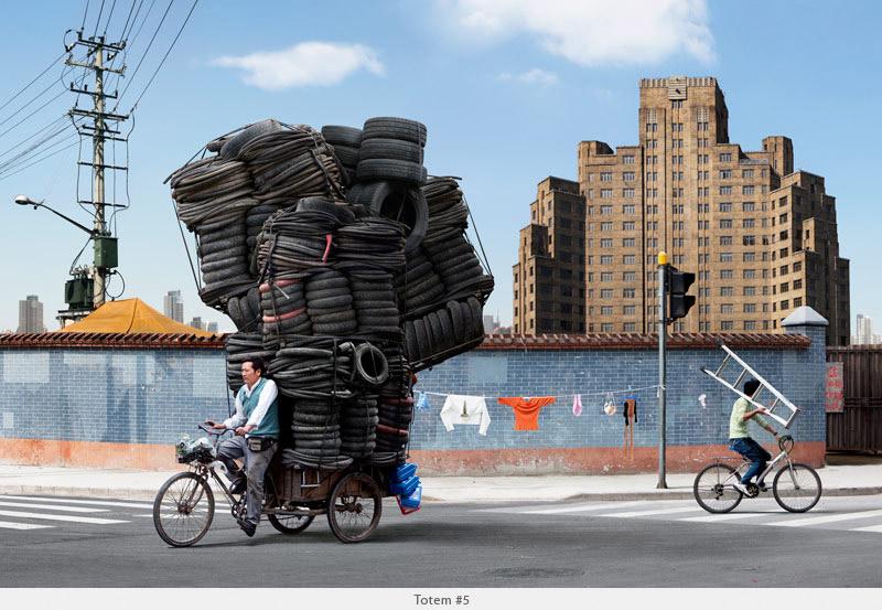 Resultado de imagem para CHINESES TRABALHADORES EM BIKE