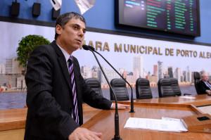 Vereador governista, Cássio Trogildo (PTB) foi criador de emenda que usa 20% das multas apenas como indexador para orçamento municipal. (Foto: Ederson Nunes/CMPA)