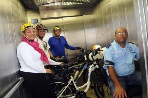 Interior do Elevador Lacerda. Foto: Divulgação/Salvador Vai de Bike
