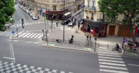 Ciclovia no contrafluxo em rua de Paris. Foto: Rene Beignet