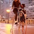 """Uma """"Penny Farthing"""", bicicleta antiga com uma roda enorme na frente, é sucesso garantido numa Tweed Ride. Foto: Laura Sobenes"""