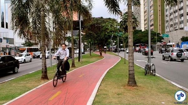 Contagem na Ciclovia da Av. Faria Lima registrou 193 ciclistas por hora no pico da noite. Demanda que não existe? Foto: Gabriel Ionescu