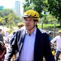 """""""Como não pode? Não é uma ciclopassarela? Não faz muito sentido, né?"""", questionou o prefeito. Na sequência, o secretário de Transportes autorizou a pedalada. Foto: Rachel Schein"""