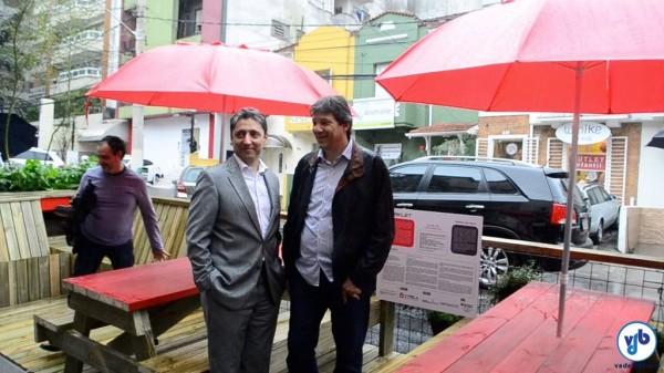 Fernando de Melo Franco, secretário de Desenvolvimento Urbano, ao lado do prefeito Fernando Haddad, na inauguração do parklet da rua Oscar Porto. Foto: Rachel Schein