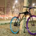"""O próprio quadro da bicicleta transforma-se em cadeado. Criadores da Yerka dizem que bicicleta é """"à prova"""" de furto. Foto: Reprodução"""