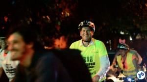 O secretário de Transportes, Jilmar Tatto, participou do Desafio Intermodal pedalando uma dobrável. Foto: Rachel Schein