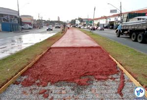Concreto pigmentado foi utilizado na Ciclovia Pirajussara, na Av. Eliseu de Almeida. Foto: Willian Cruz