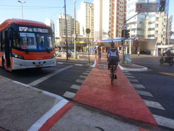Contagem na recém-inaugurada ciclovia da rua Vergueiro. Foto: Carlos Crow