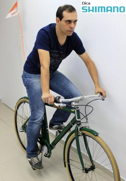 A correta altura do selim é importante para evitar lesões e aproveitar melhor o esforço da pedalada. Foto: Shimano/Vá de Bike