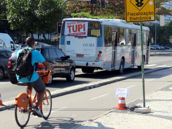 Contagem revelou que quase metade dos usuários de bicicleta estavam indo ao trabalho ou escola. Foto: Transporte Ativo