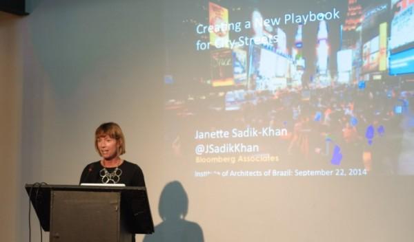 Janette Sadik-Khan realizou mudanças relevantes como secretária de transportes de Nova York. Foto: Stefano Aguiar/IAB/Divulgacao