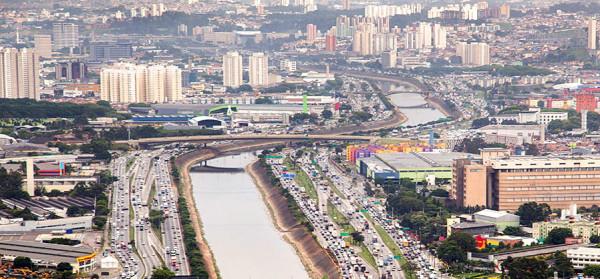 Ponte Júlio de Mesquita Neto receberá ciclovia bidirecional central já na primeira etapa. Foto: Fernando Stankuns (cc)
