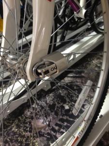 Cadeado não impede que a roda continue girando. Foto: Divulgação