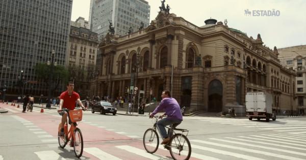Crescimento no uso da bicicleta tem trazido resultado positivo a comerciantes em São Paulo. Imagem: TV Estadão/Reprodução